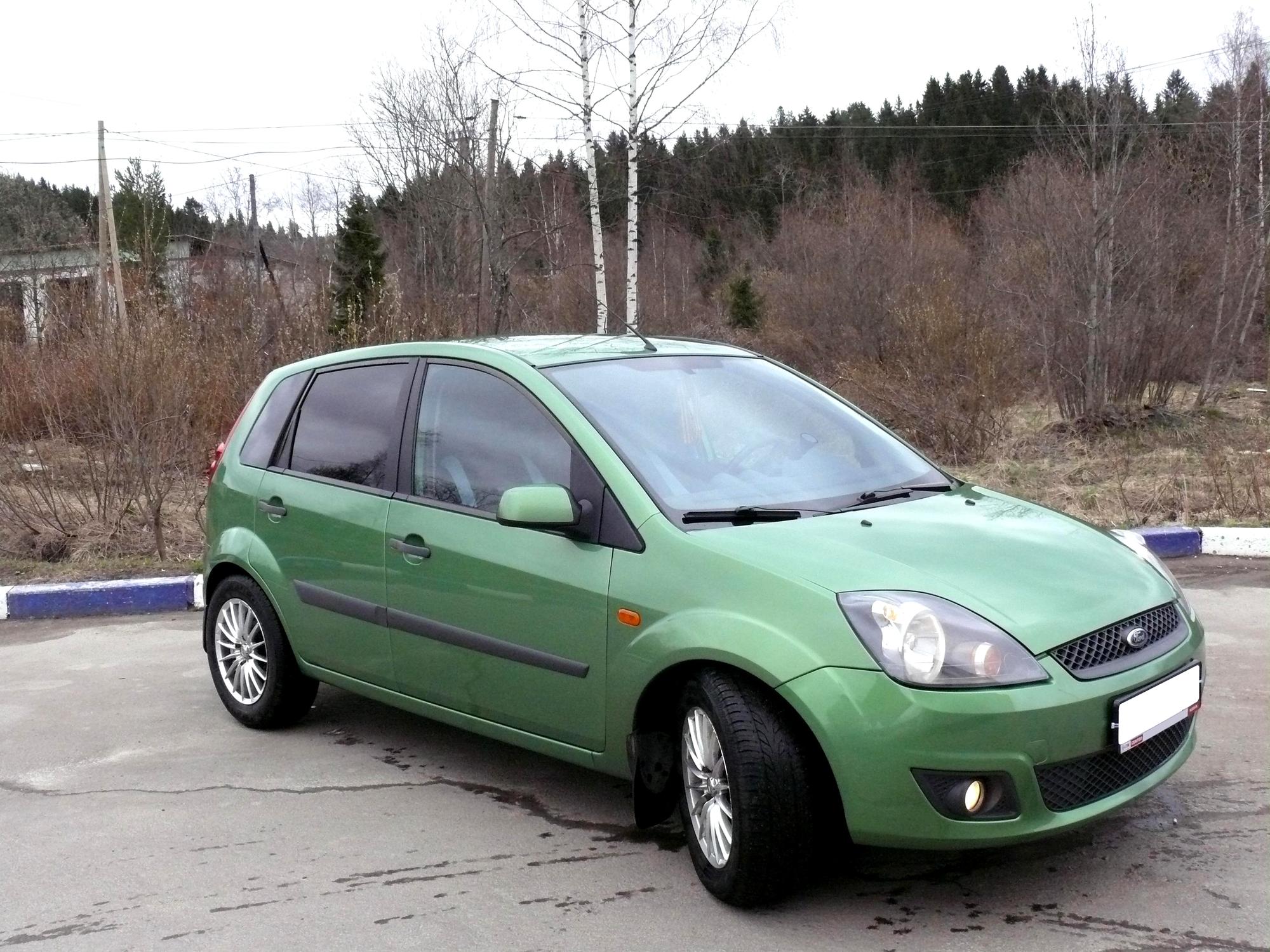Старый Ford Fiesta превратился в настоящего трансформера ...
