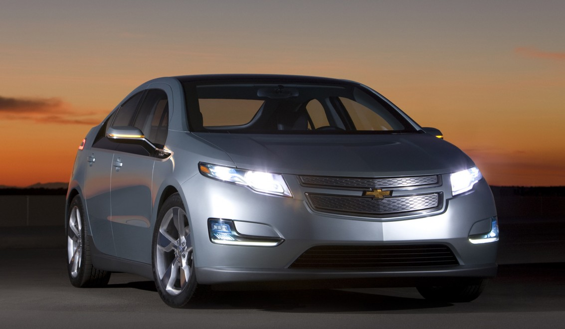 gm chevy volt They both have electric motors and their names rhyme, but what's the difference between the chevy volt and the new chevrolet bolt.